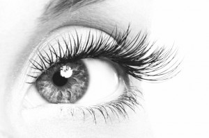how to make eyelashes longer naturally